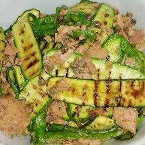 Fresca insalata di zucchine grigliate