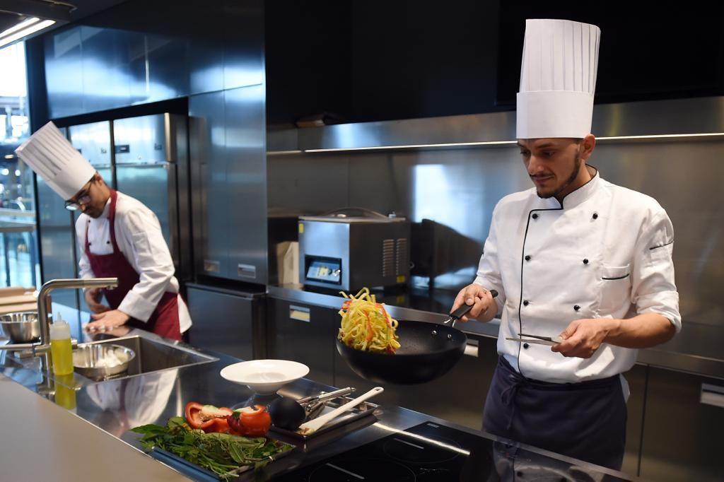 La Scuola Di Cucina Lorenzo De Medici Approda Al Nuovo Mercato Centrale Di Torino Il Torinese